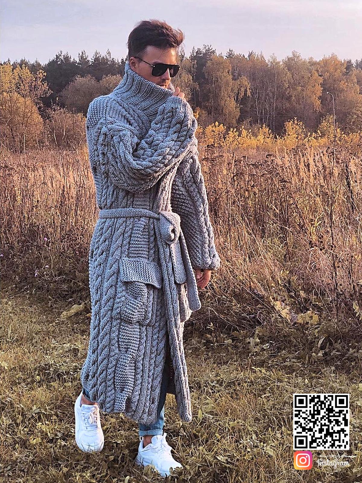 На фотографии серый мужской кардиган от Shapar, бренда вязаной одежды ручной работы в интернет-магазине связанных спицами вещей.