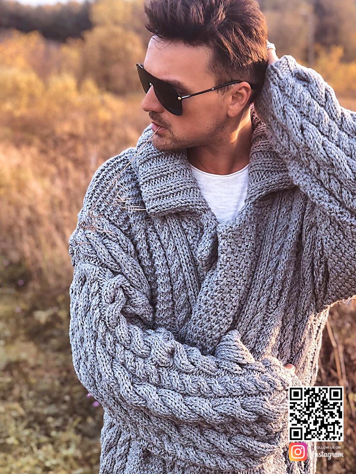 На третьей фотографии серый мужской кардиган крупной вязки от Shapar, бренда вязаной одежды ручной работы в интернет-магазине связанных спицами вещей.