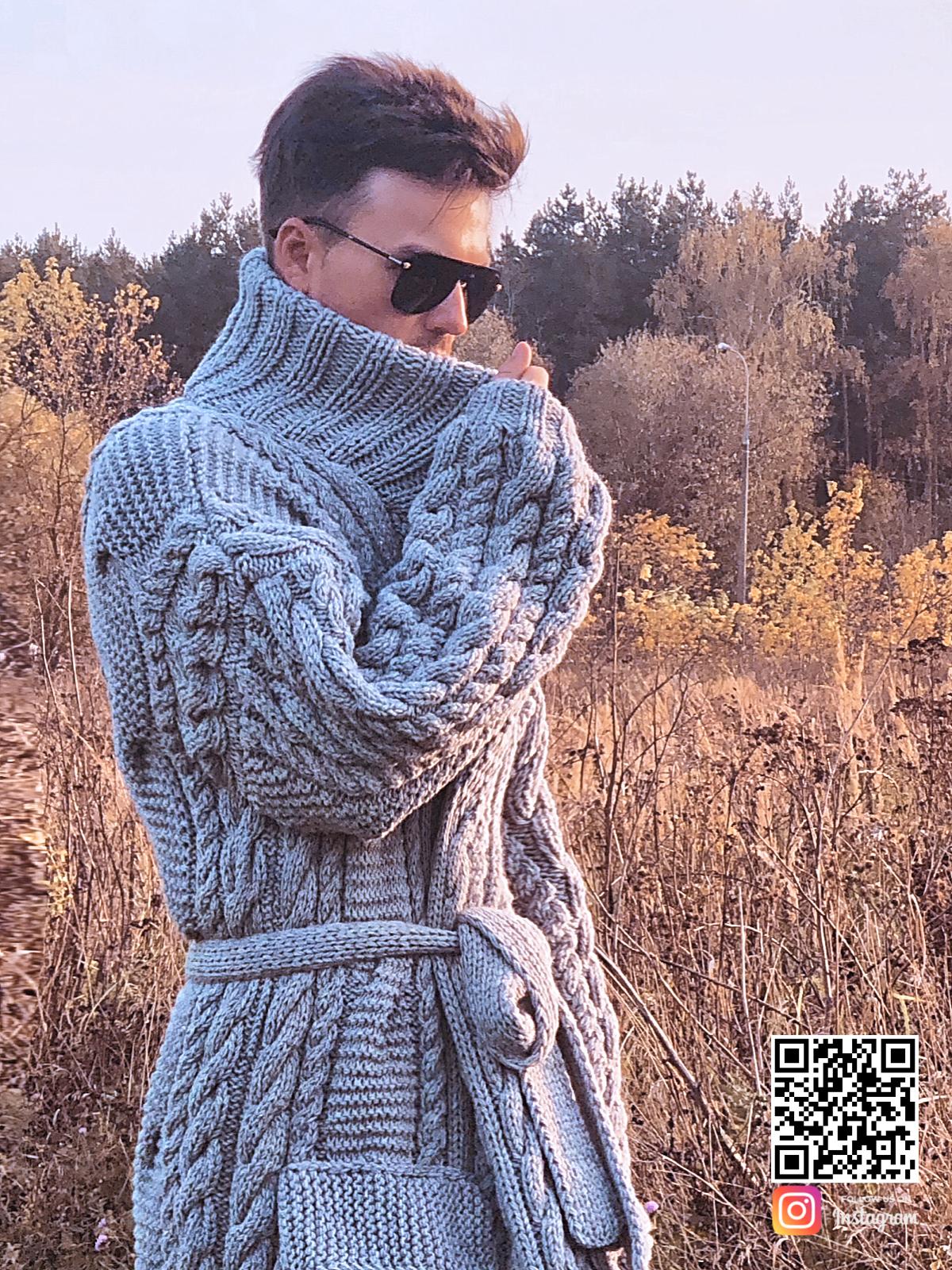 На пятой фотографии серый мужской кардиган с поясом от Shapar, бренда вязаной одежды ручной работы в интернет-магазине связанных спицами вещей.