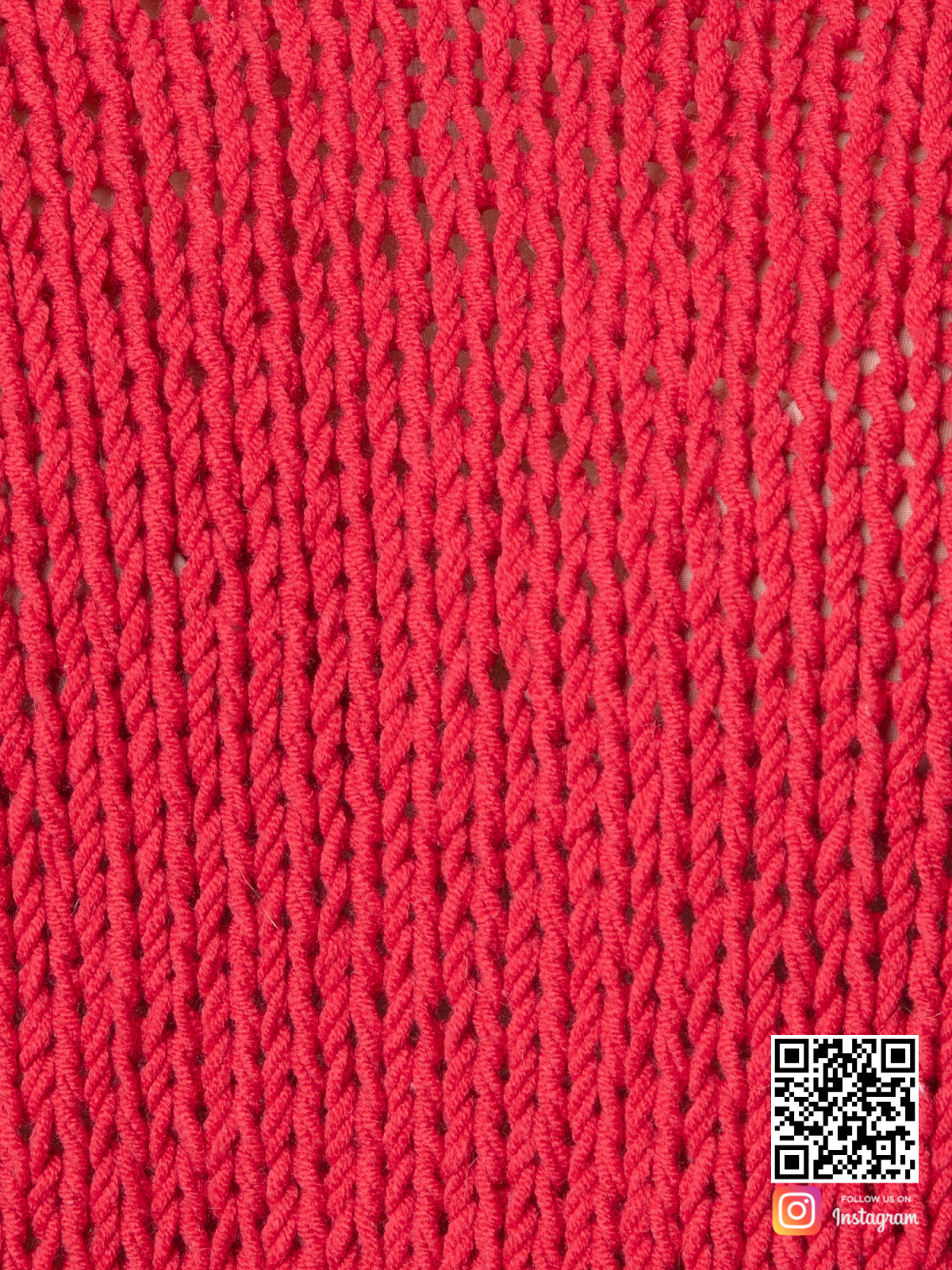 На шестой фотографии хлопковый тонкий свитер женский крупным планом от Shapar, бренда вязаной одежды ручной работы в интернет-магазине связанных спицами вещей.