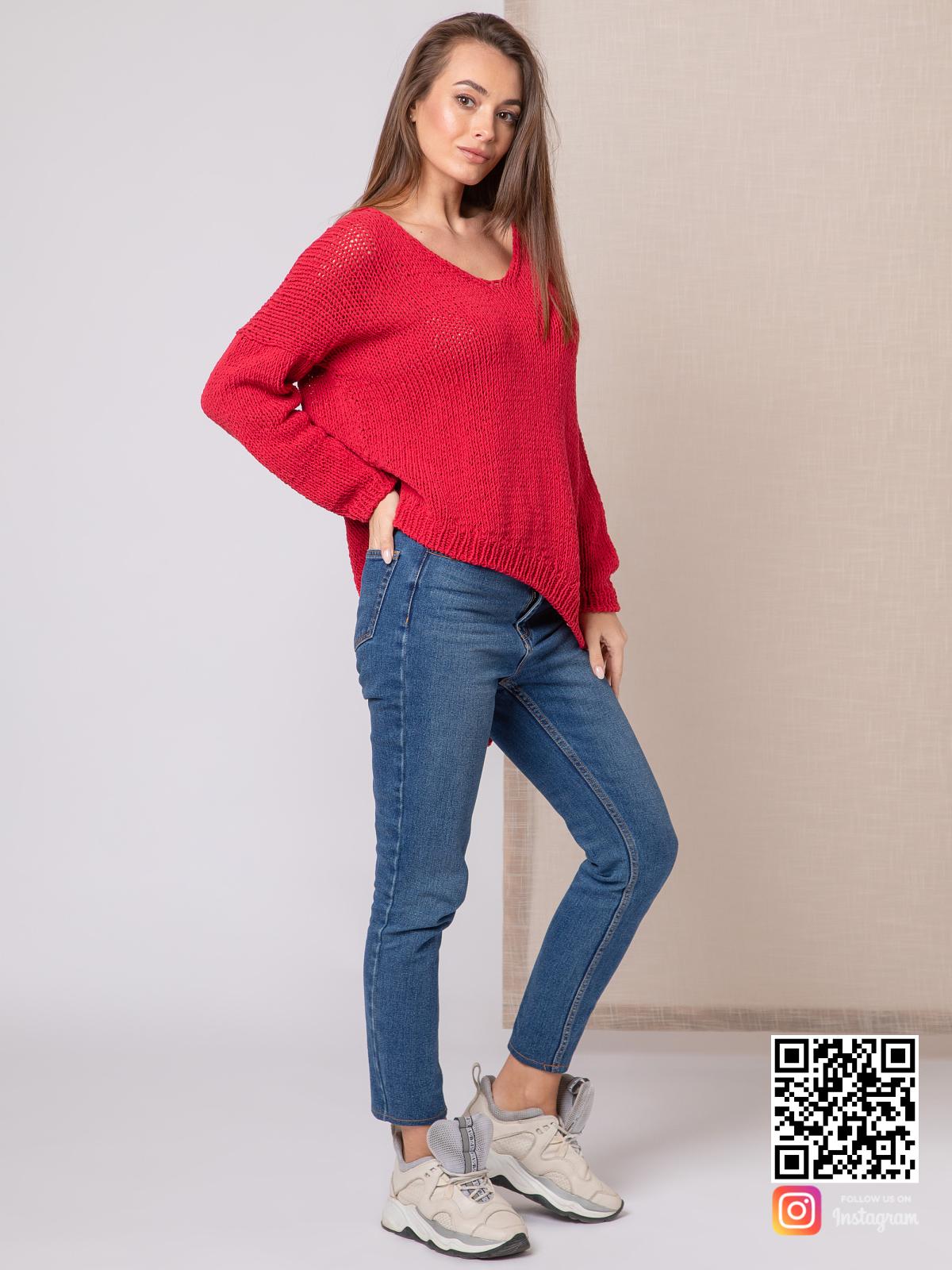 На пятой фотографии тонкий свитер женский из хлопка от Shapar, бренда вязаной одежды ручной работы в интернет-магазине связанных спицами вещей.