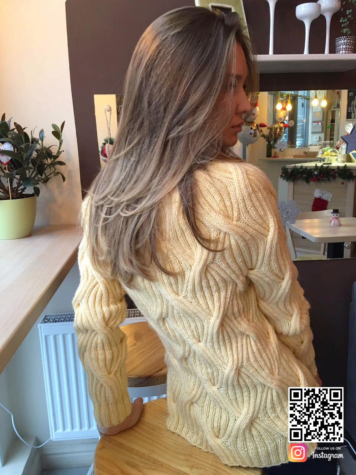 На второй фотографии женский джемпер реглан со спины от Shapar, бренда вязаной одежды в интернет-магазине связанных спицами вещей.