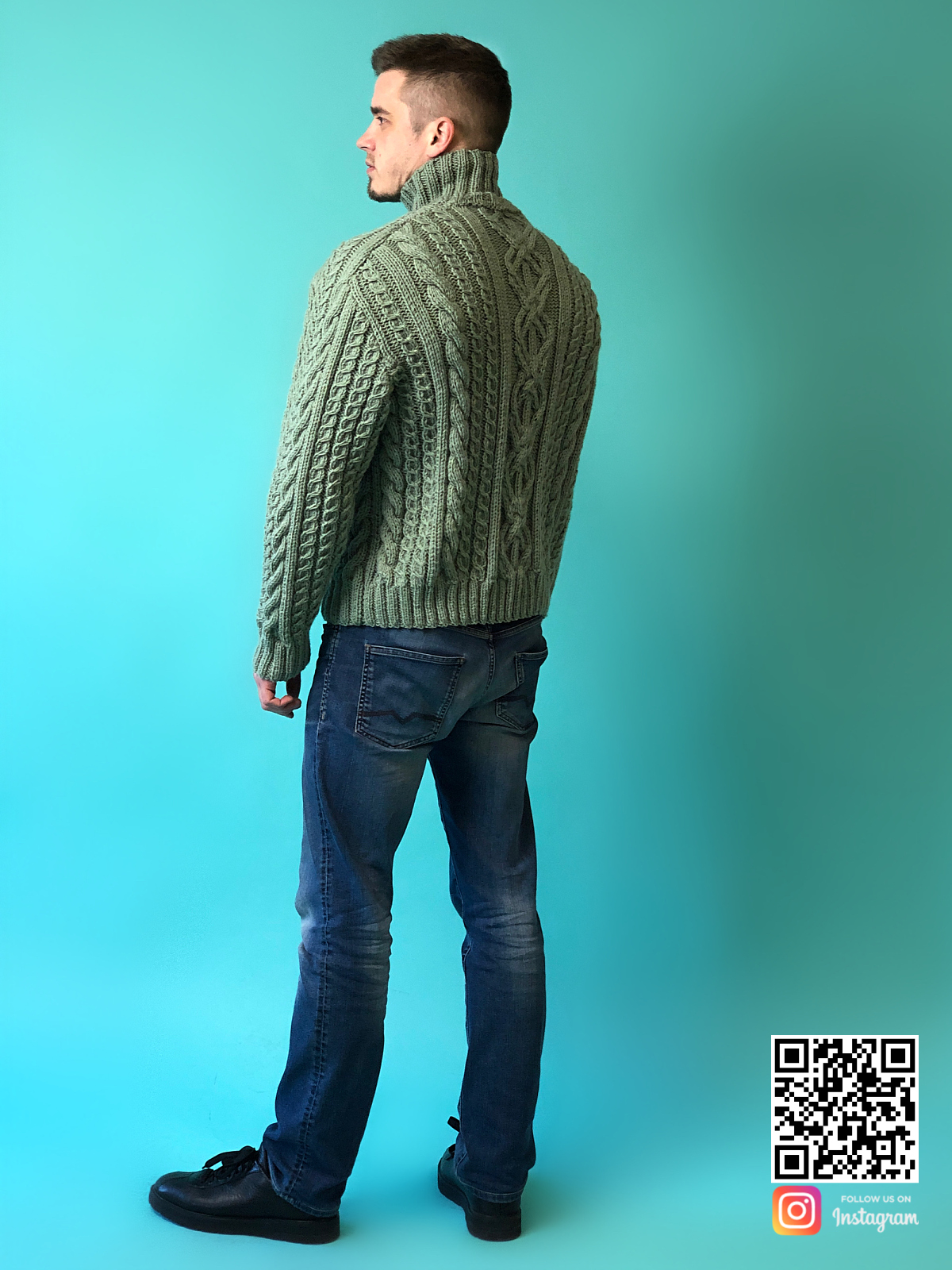 На шестой фотографии зимний мужской шерстяной свитер с горлом от Shapar, бренда вязаной одежды ручной работы в интернет-магазине связанных спицами вещей.