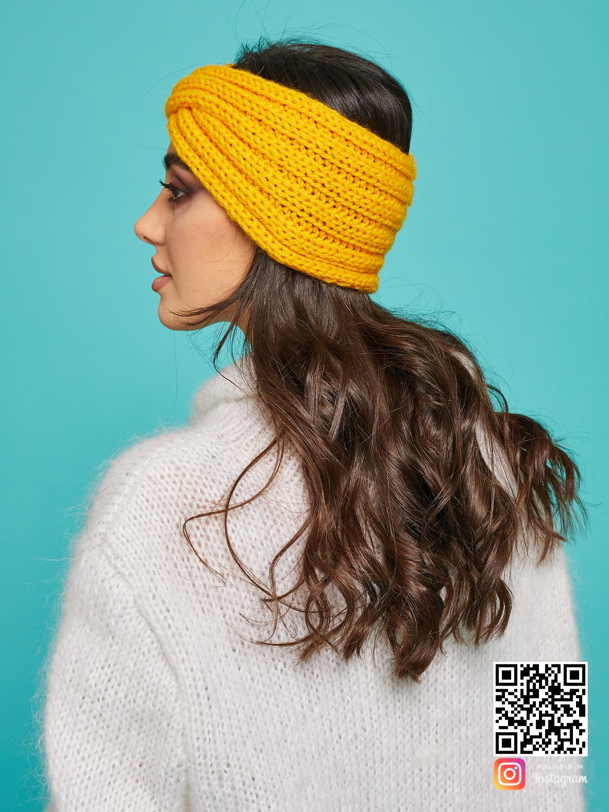 На третьей фотографии теплая повязка на голову желтая от Shapar, бренда вязаной одежды ручной работы в интернет-магазине связанных спицами вещей.