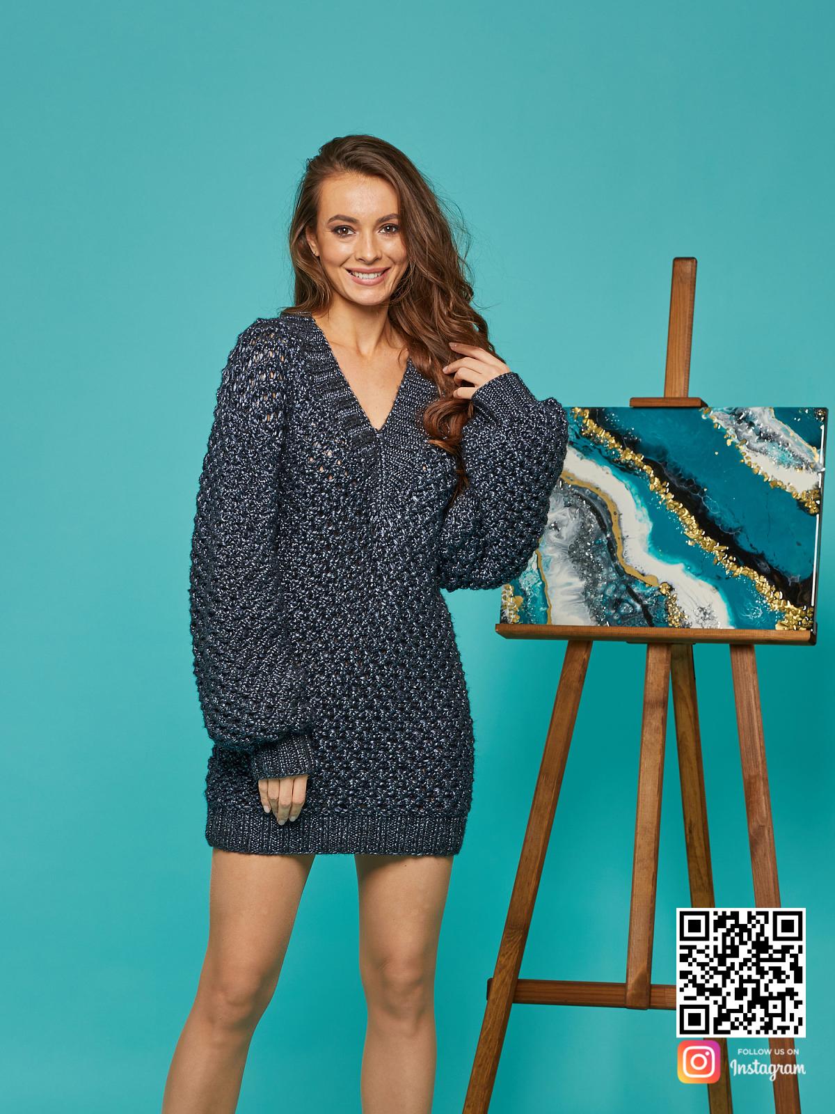 На четвертой фотографии красивый длинный свитер женский от Shapar, бренда вязаной одежды ручной работы в интернет-магазине связанных спицами вещей.