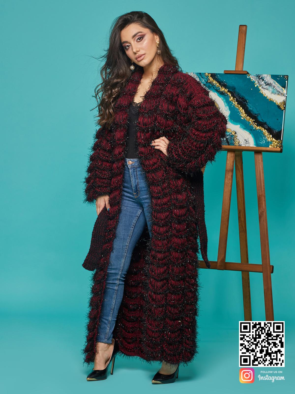 На третьей фотографии женский нарядный кардиган бордового цвета от Shapar, бренда вязаной одежды ручной работы в интернет-магазине связанных спицами вещей.
