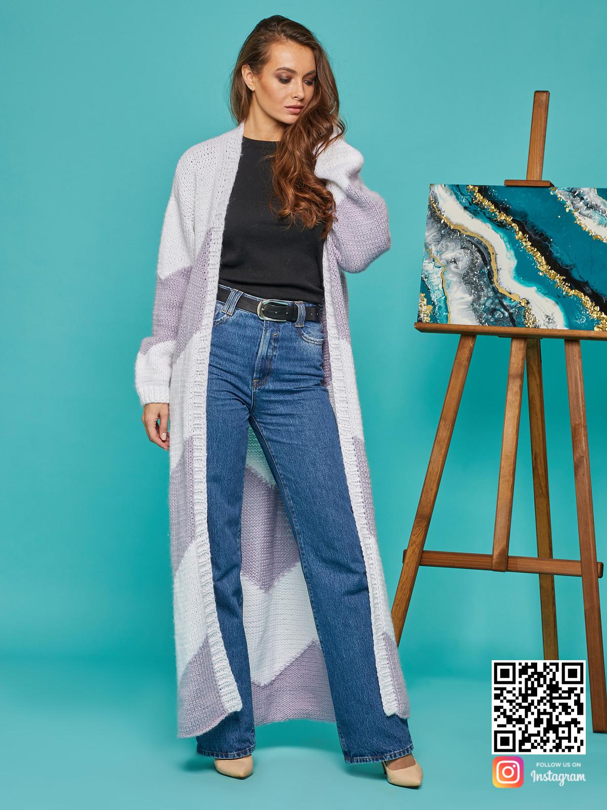 На шестой фотографии стильный кардиган женский из ангоры с поясом от Shapar, бренда вязаной одежды ручной работы в интернет-магазине связанных спицами вещей.