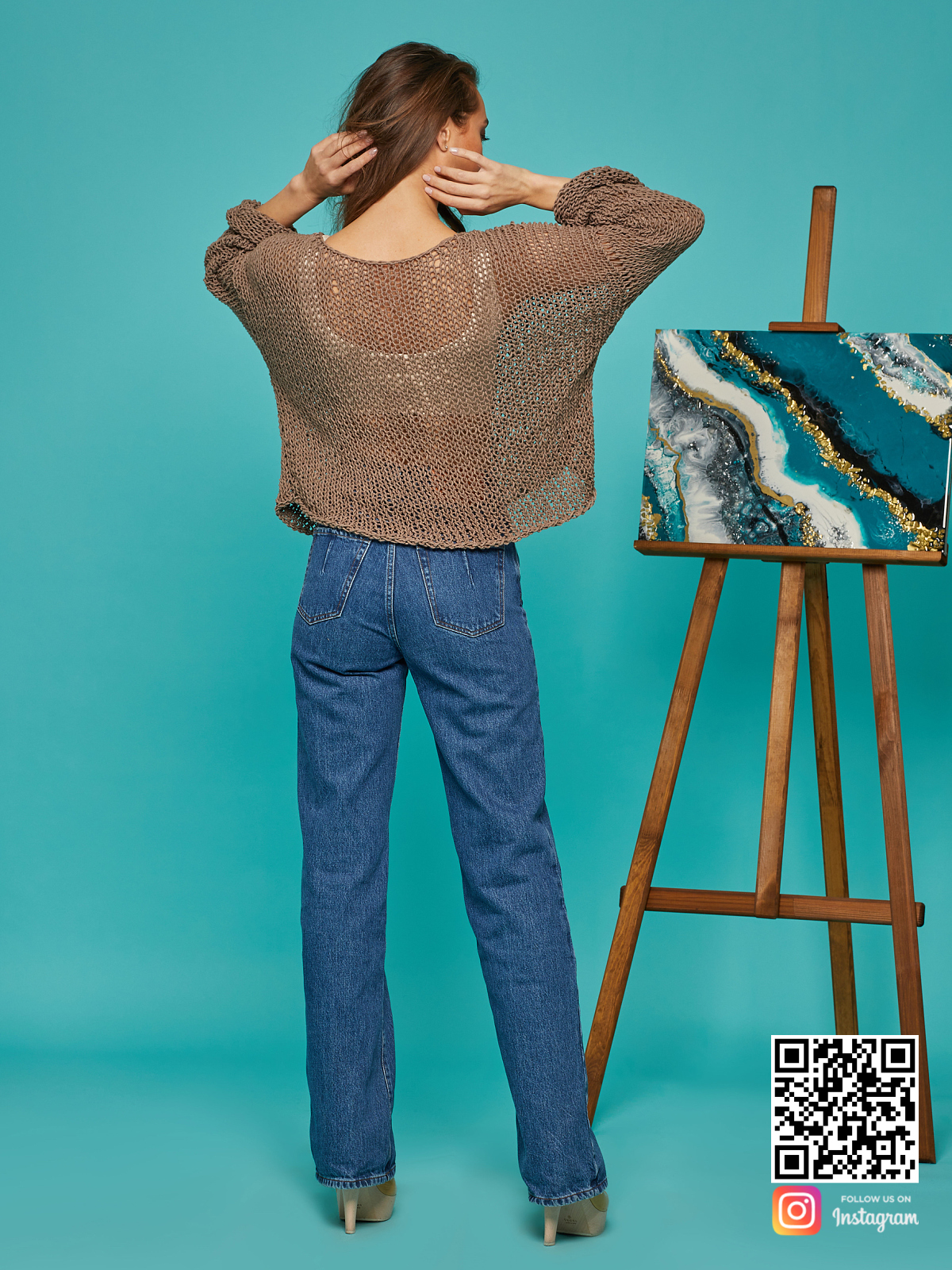 На пятой фотографии женская кофта сетка из хлопка от Shapar, бренда вязаной одежды ручной работы в интернет-магазине связанных спицами вещей.