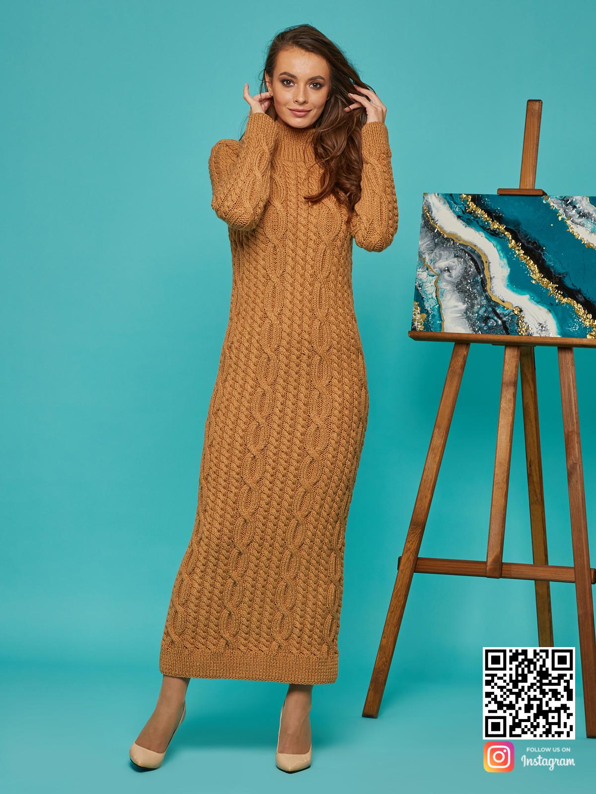 На шестой фотографии зимнее коричневое вязаное платье от Shapar, бренда женской одежды ручной работы в интернет-магазине связанных спицами вещей.