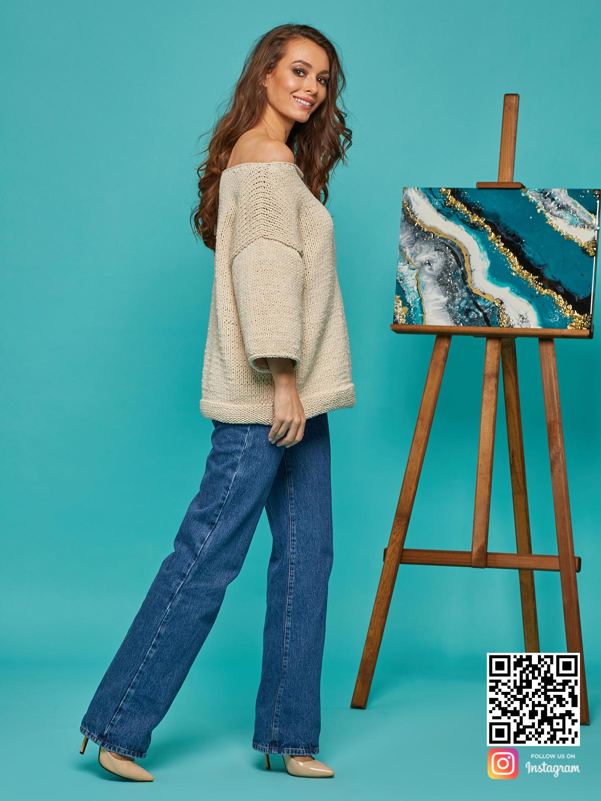 На четвертой фотографии женский летний свитер с рукавами 3 4 от Shapar, бренда вязаной одежды ручной работы в интернет-магазине связанных спицами вещей.