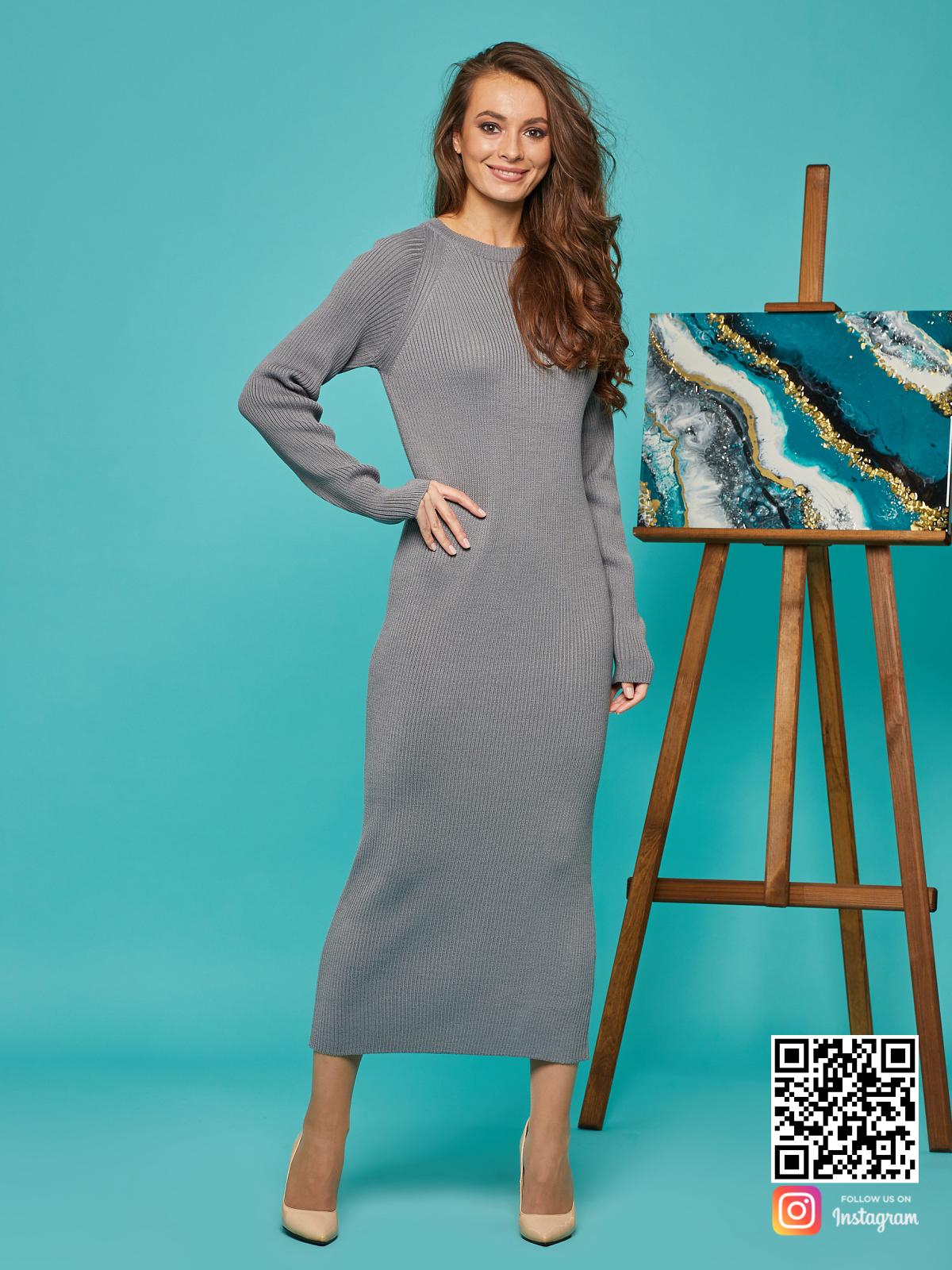 На шестой фотографии женское платье лапша серого цвета от Shapar, бренда вязаной одежды ручной работы в интернет-магазине связанных спицами вещей.