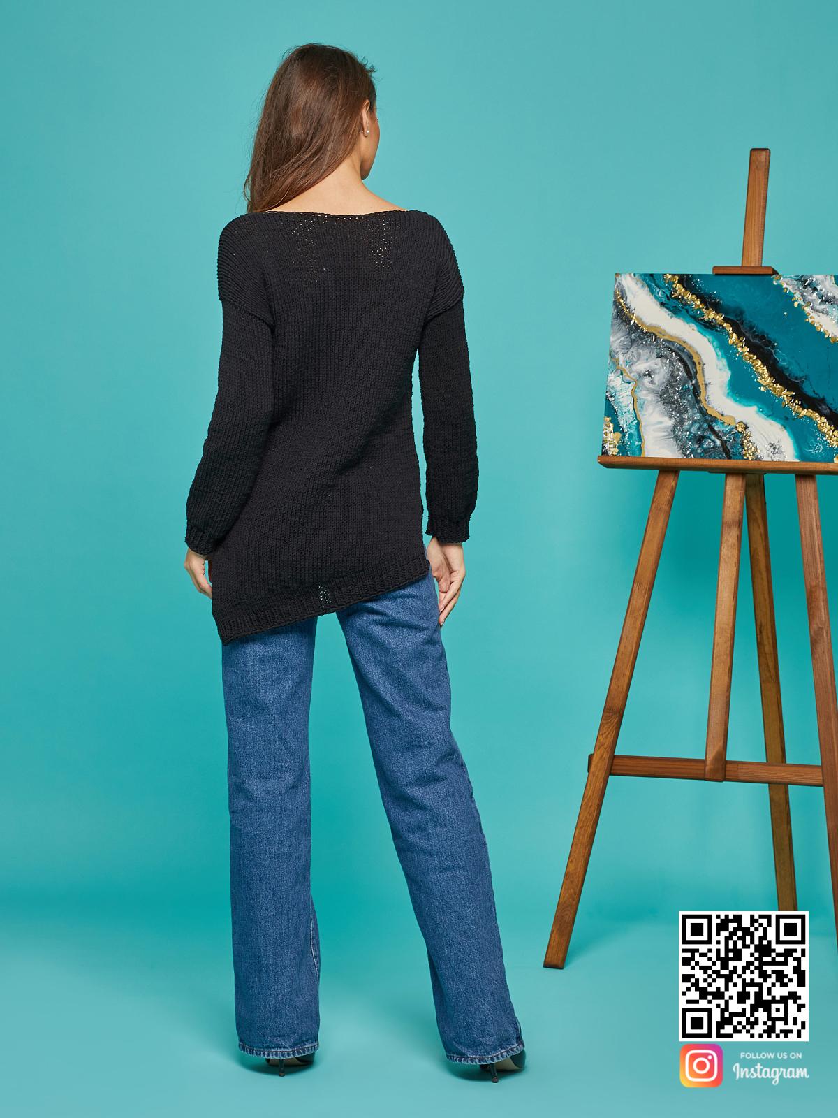 На второй фотографии женский свитер на лето со спины от Shapar, бренда вязаной одежды ручной работы в интернет-магазине связанных спицами вещей.
