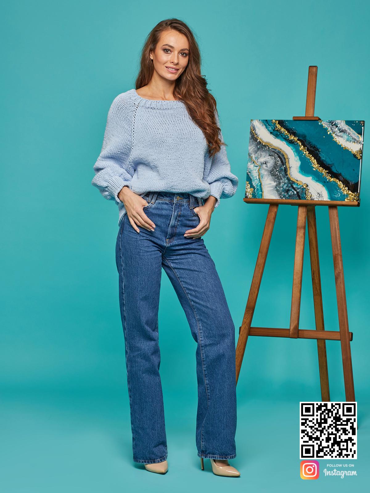 На четвертой фотографии свитер реглан для женщин из хлопка от Shapar, бренда вязаной одежды ручной работы в интернет-магазине связанных спицами вещей.