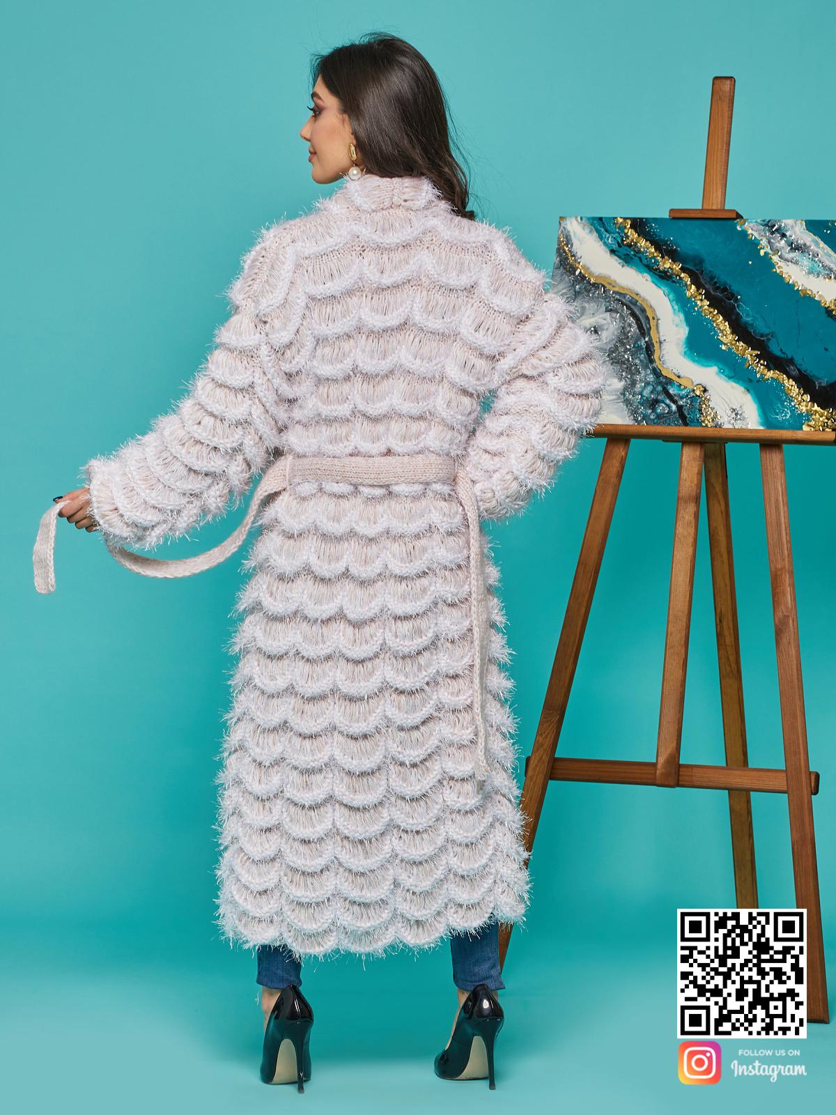 На второй фотографии ажурный кардиган женский со спины от Shapar, бренда вязаной одежды ручной работы в интернет-магазине связанных спицами вещей.