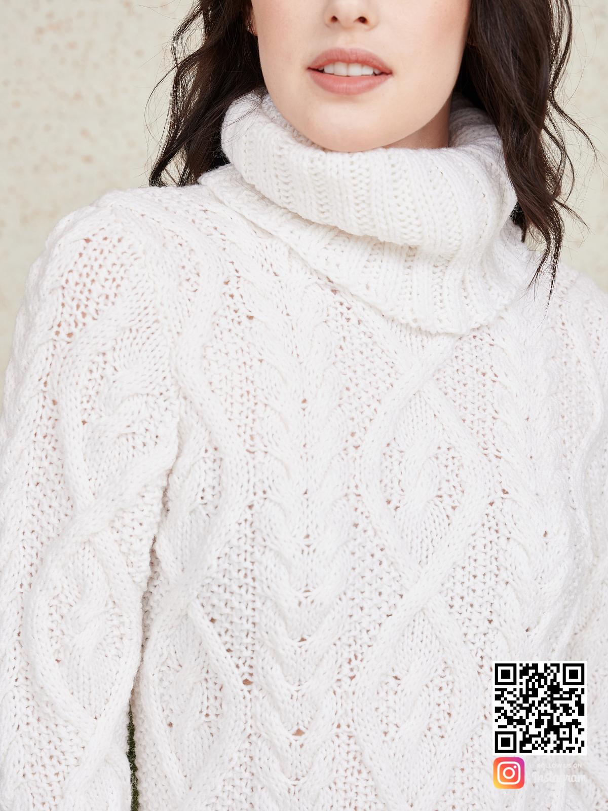 На седьмой фотографии длинное вязаное платье крупным планом от Shapar, бренда женской одежды ручной работы в интернет-магазине связанных спицами вещей.