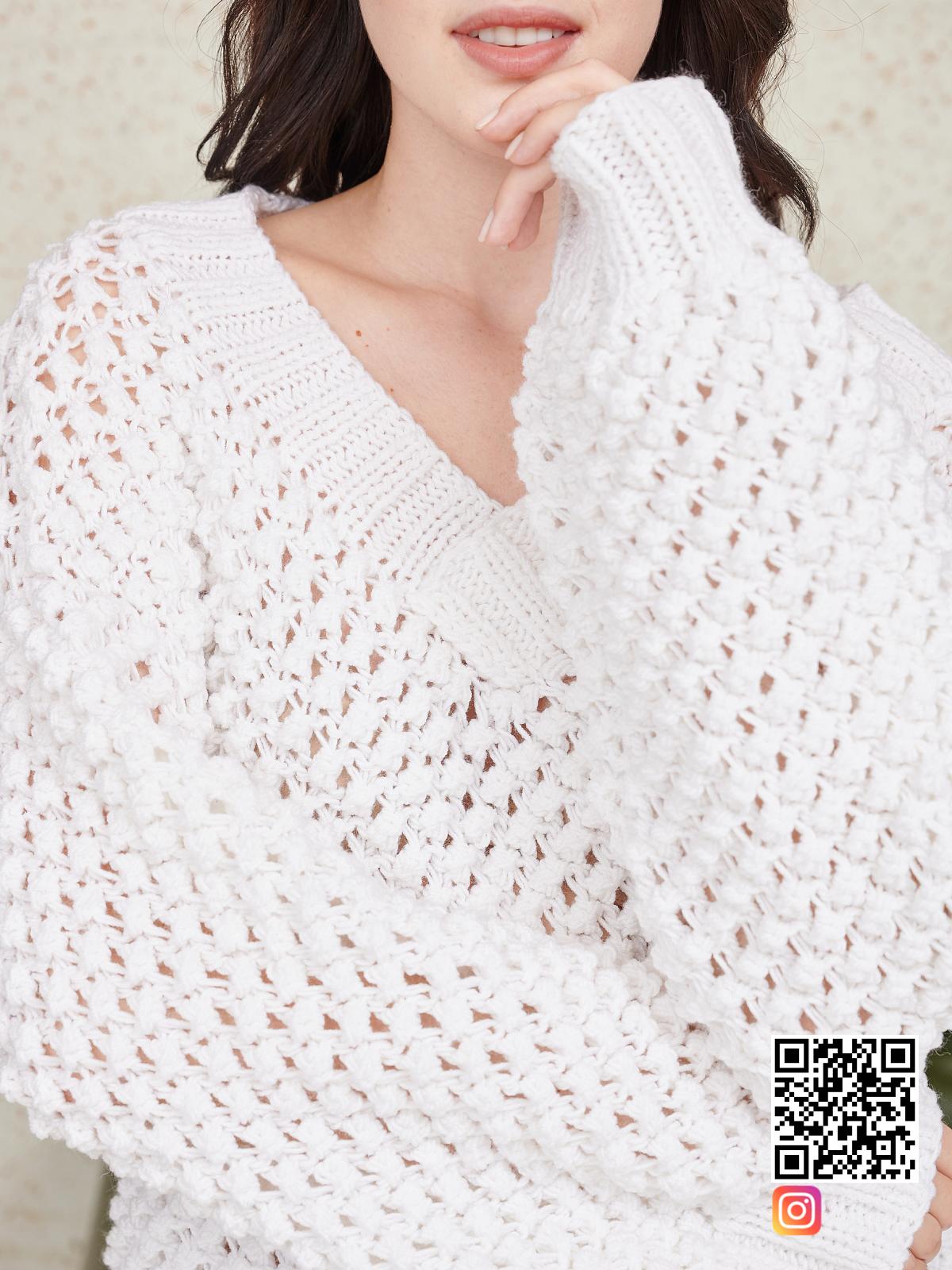 На восьмой фотографии костюм оверсайз шорты крупным планом от Shapar, бренда вязаной одежды ручной работы в интернет-магазине связанных спицами вещей.