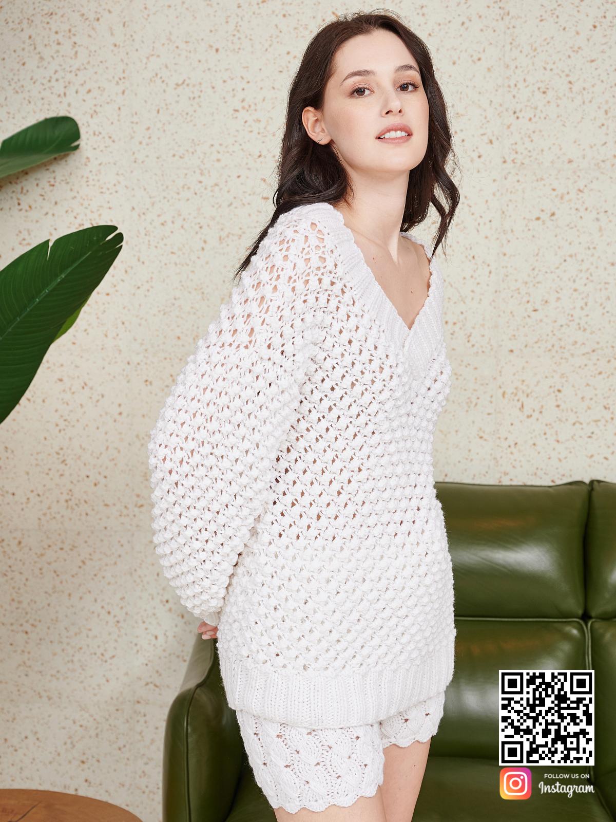 На шестой фотографии костюм оверсайз шорты для девушек и женщин от Shapar, бренда вязаной одежды ручной работы в интернет-магазине связанных спицами вещей.