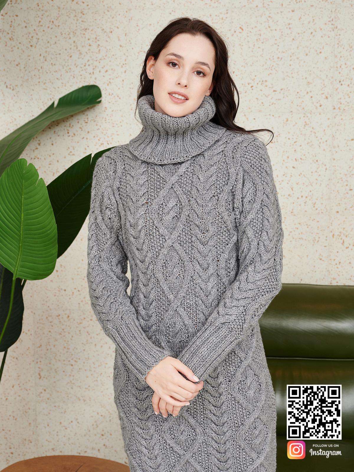 На седьмой фотографии зимнее серое шерстяное платье от Shapar, бренда женской одежды ручной работы в интернет-магазине связанных спицами вещей.