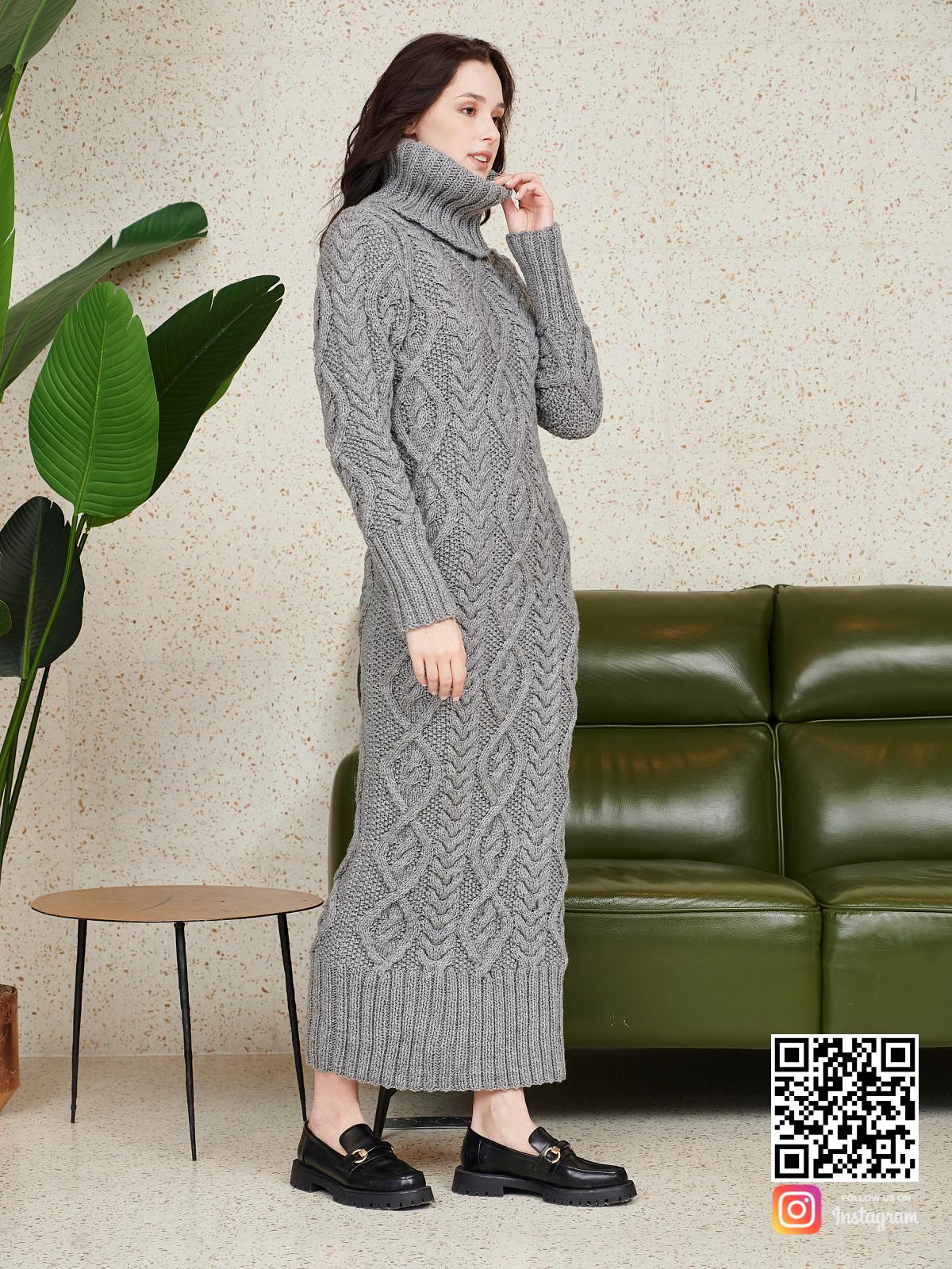 На пятой фотографии теплое шерстяное платье серого цвета от Shapar, бренда женской одежды ручной работы в интернет-магазине связанных спицами вещей.