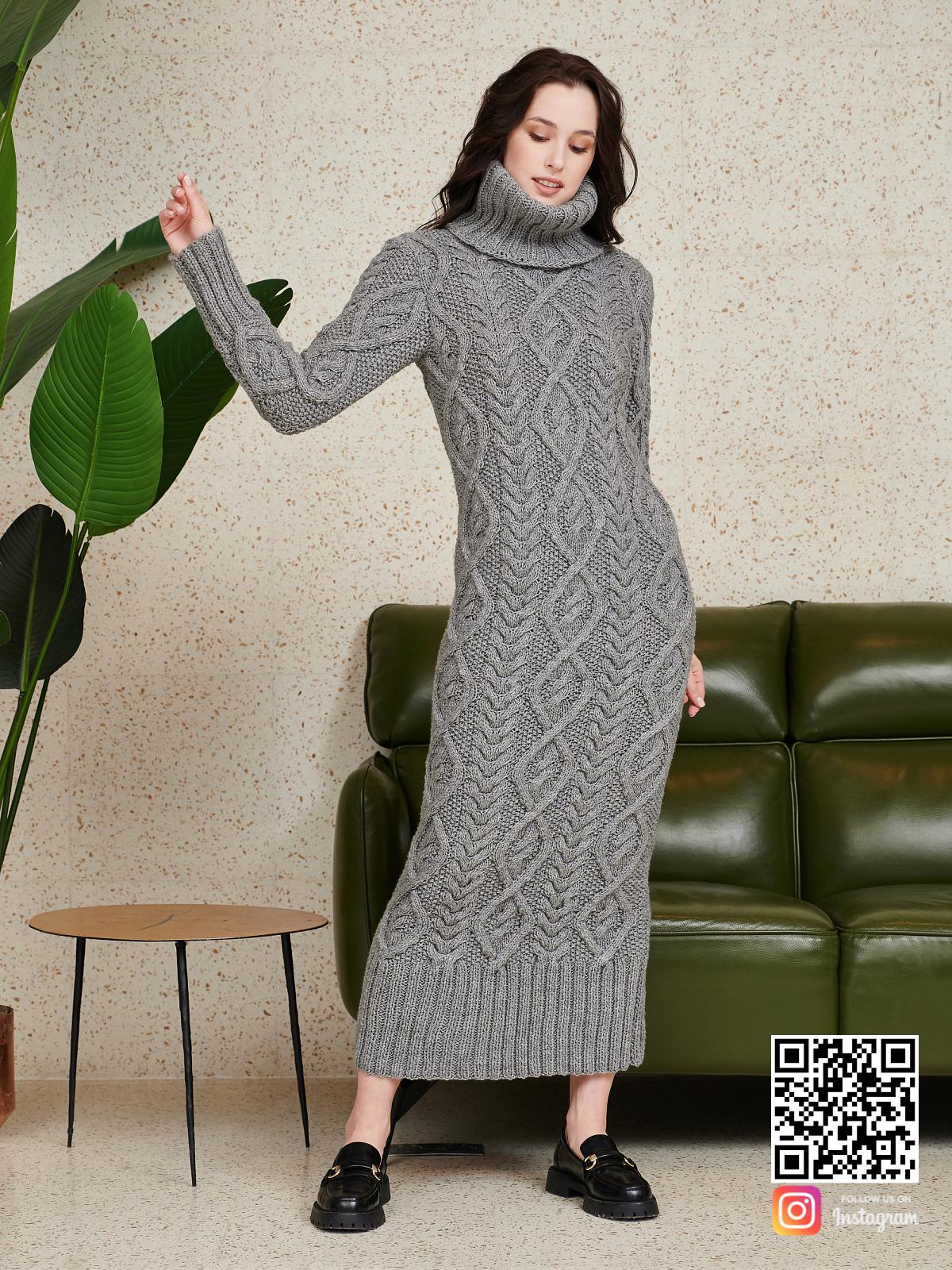 На третьей фотографии серое шерстяное платье с воротником от Shapar, бренда женской одежды ручной работы в интернет-магазине связанных спицами вещей.