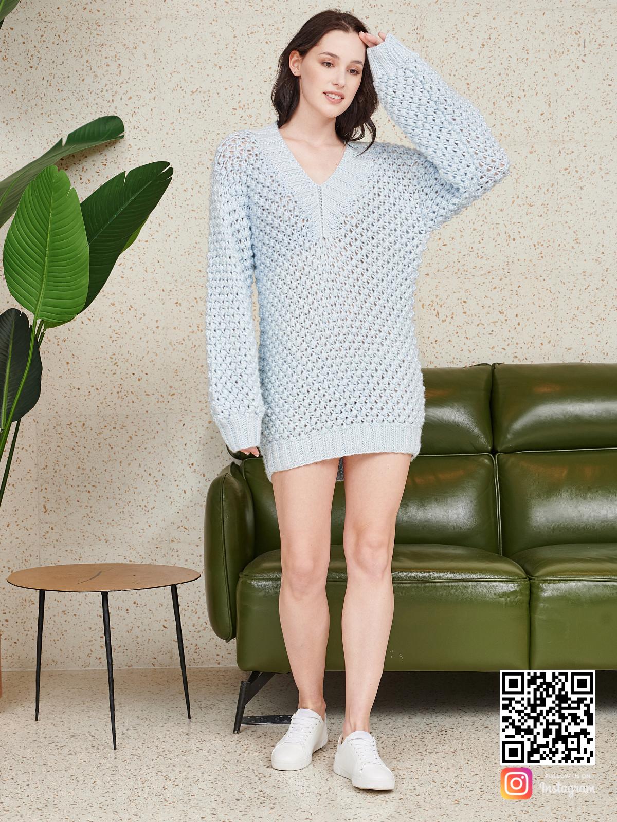 На пятой фотографии ажурное вязаное летнее платье спицами от Shapar, бренда женской одежды ручной работы в интернет-магазине связанных спицами вещей.