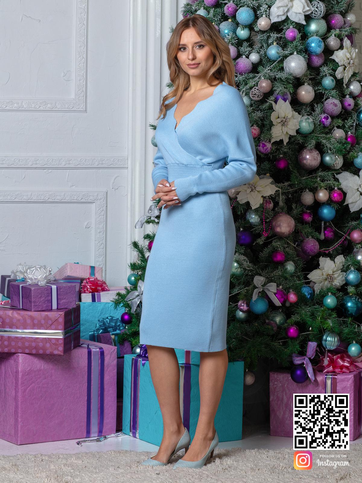 На шестой фотографии деловое трикотажное платье в офис от Shapar, бренда вязаной одежды ручной работы в интернет-магазине связанных спицами вещей.