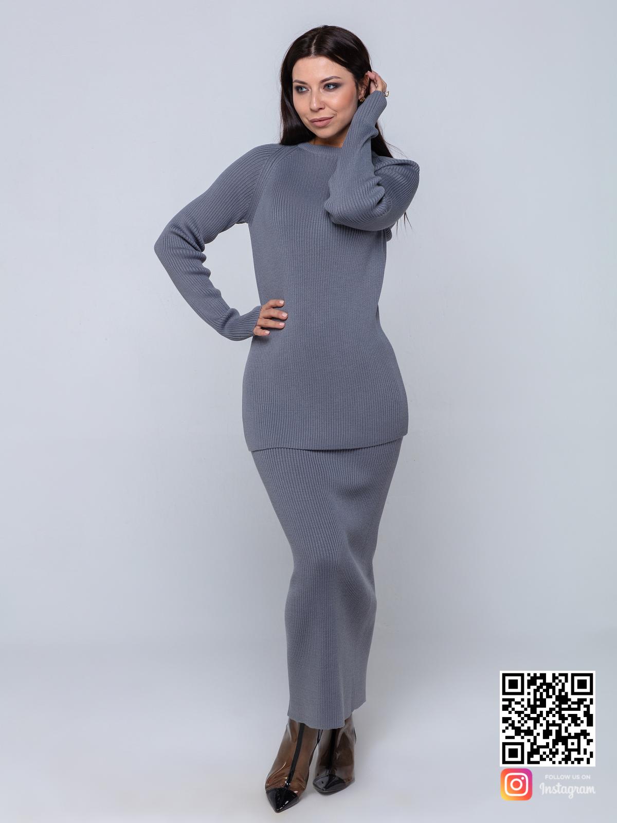 На пятой фотографии комплект, состоящий из  женской кофты с юбкой от Shapar, бренда вязаной одежды ручной работы в интернет-магазине связанных спицами вещей.