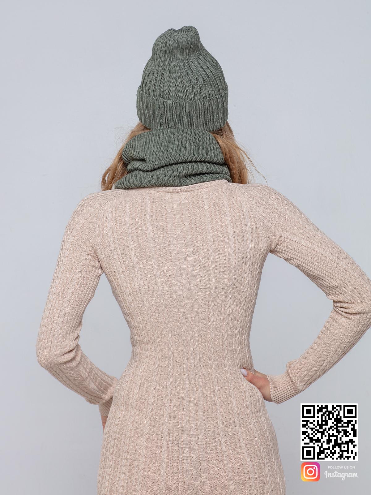 На пятой фотографии комплект: шапка и снуд для женщин от Shapar, бренда вязаной одежды ручной работы в интернет-магазине связанных спицами вещей.