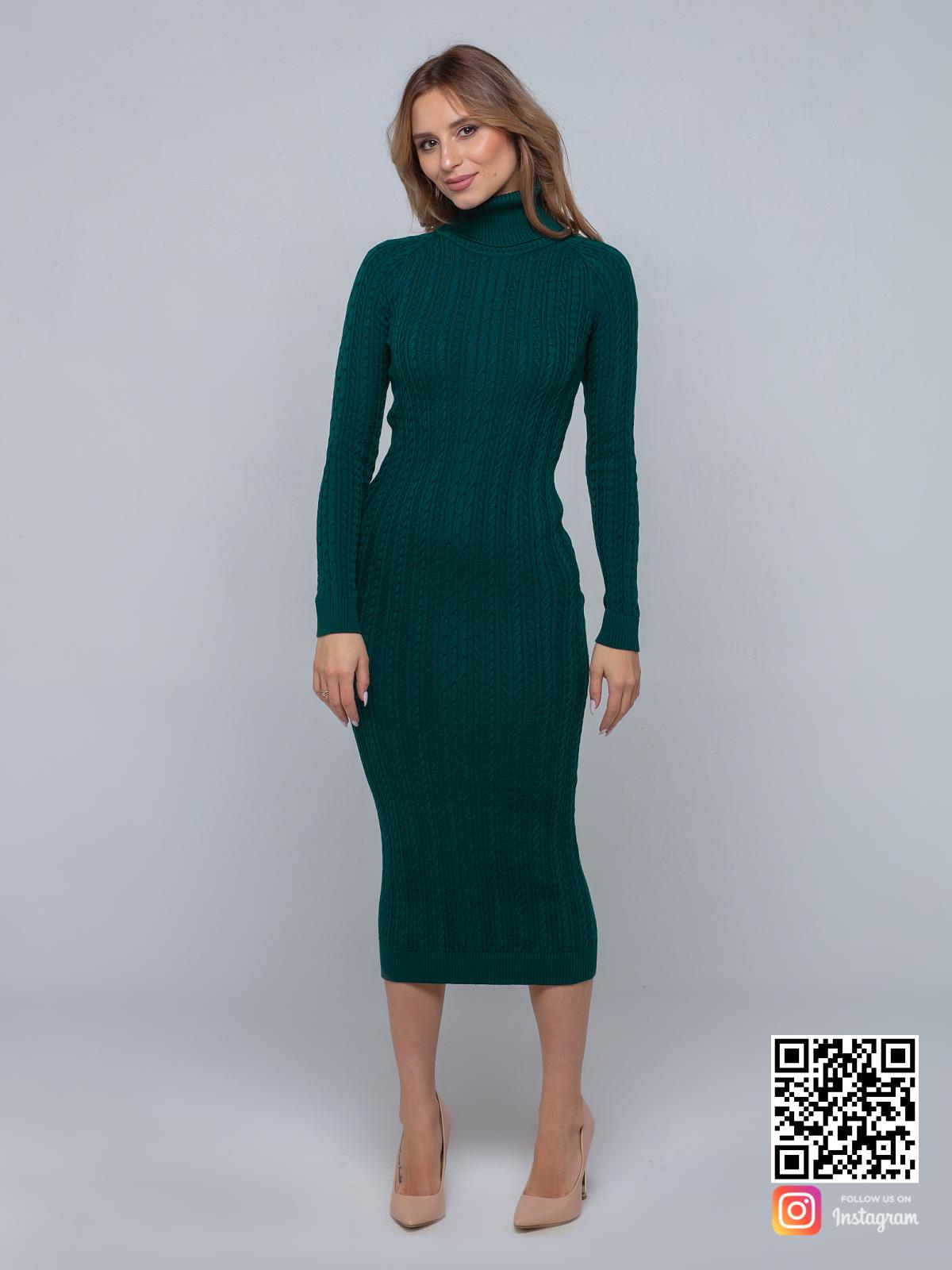 На шестой фотографии длинное трикотажное платье зеленого цвета с рукавами от Shapar, бренда вязаной одежды ручной работы в интернет-магазине связанных спицами вещей.