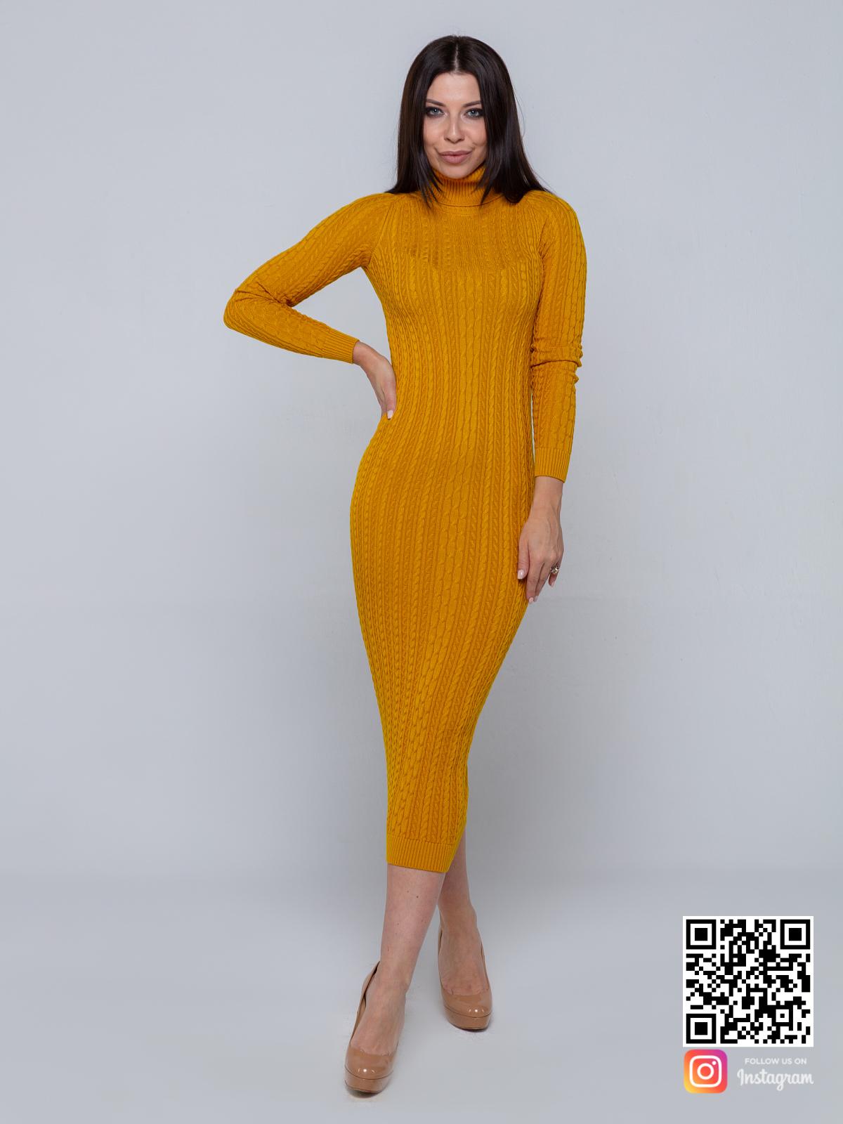 На пятой фотографии женское желтое трикотажное платье миди от Shapar, бренда вязаной одежды ручной работы в интернет-магазине связанных спицами вещей.