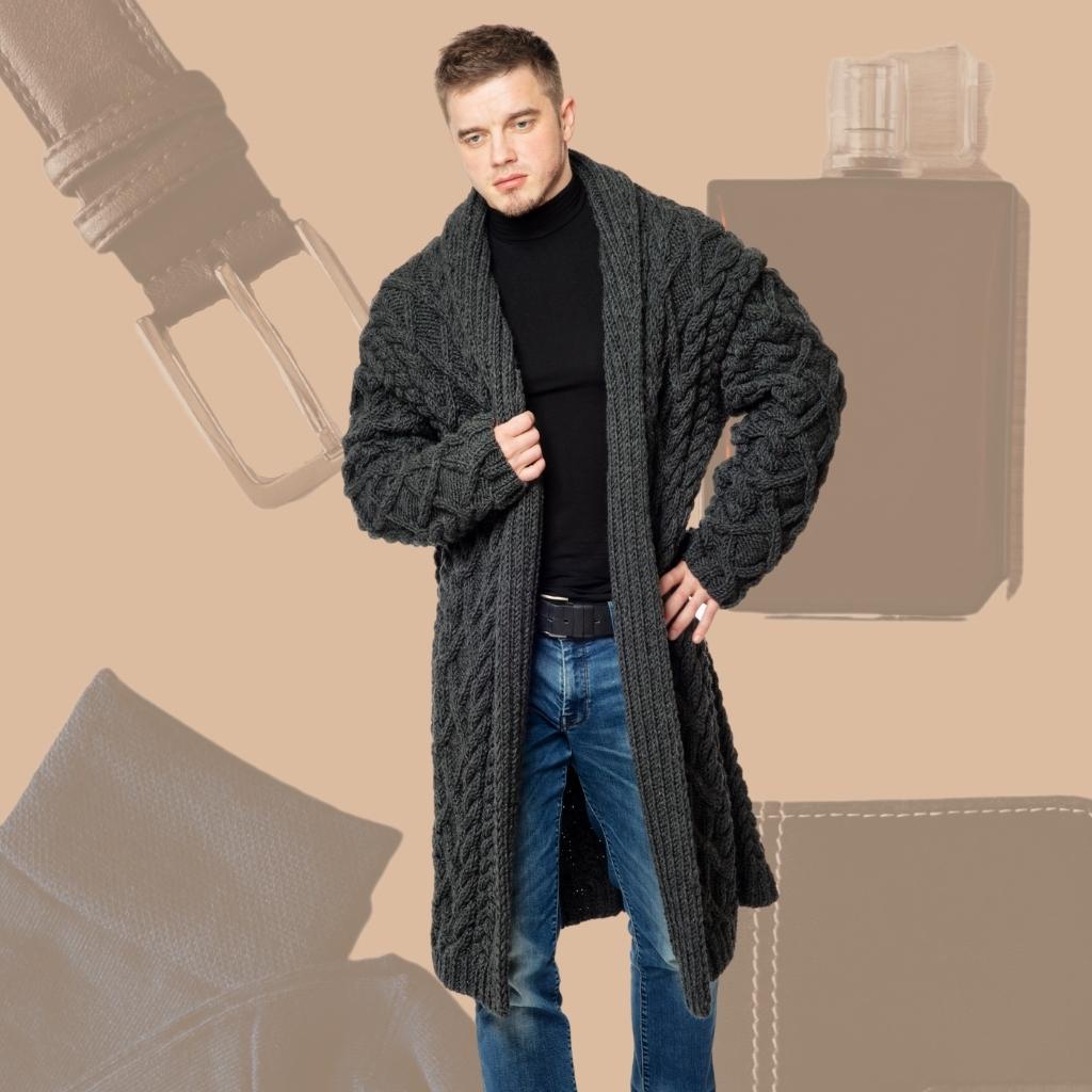На фотографии кардиганы мужские вязаные от Shapar, бренда связанной одежды ручной работы.