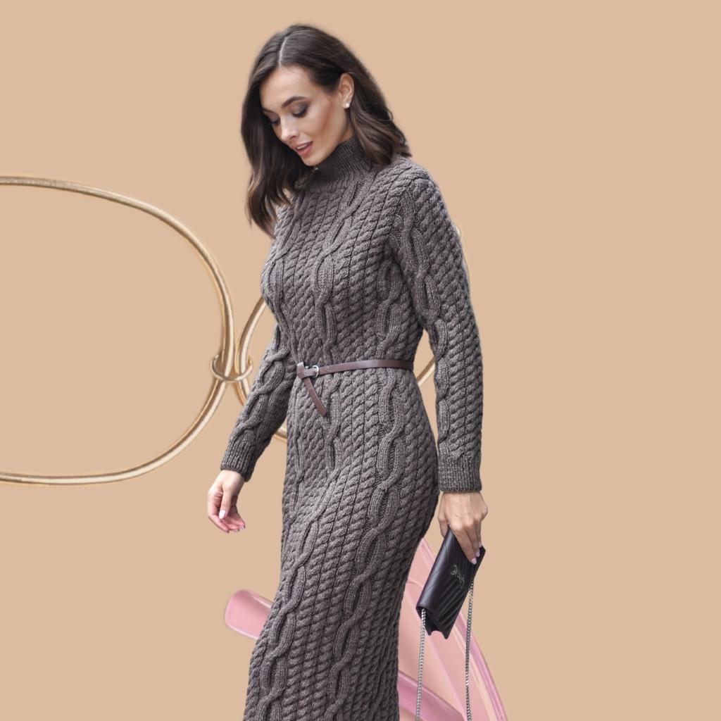 На фотографии вязаные платья женские от Shapar, бренда связанной одежды ручной работы.